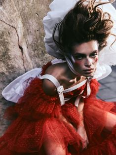Model Rubina Dyan is styled by Anna Castan in 'Theatre of Dreams',fashion with flourish lensed by Greg Swales for Harper's Bazaar Arabia May Elle Spain, Vogue Spain, Grazia Magazine, V Magazine, Quirky Fashion, Daily Fashion, High Fashion, Fashion Images, Fashion News