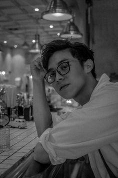 such a material boy friend every women need Bad Boy Aesthetic, Aesthetic Photo, Ideal Boyfriend, Photo Editing Vsco, Korean Boys Ulzzang, Men Photography, Boy Pictures, Tumblr Boys, Boyfriend Material