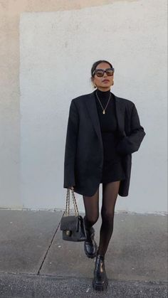 Cute Casual Outfits, Chic Outfits, Winter Outfits, Fashion Outfits, Cute All Black Outfits, Look Blazer, Black Blazer Outfit Casual, Mode Ootd, Elegantes Outfit