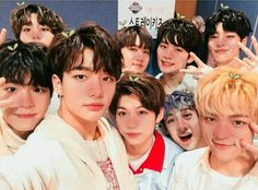 Find images and videos about kpop, stray kids and jisung on We Heart It - the app to get lost in what you love. K Pop, Dramas, Fan Art Anime, Pre Debut, Wattpad, Gender Bender, Lee Know, Lee Min Ho, Minho