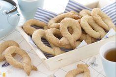I torcetti al burro sono biscotti lievitati, friabili e buonissimi, tipici di Saint Vincent e diffusi anche in Piemonte, a forma di ciambella ovale.