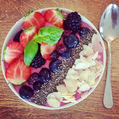 Pink Smoothie Bowl Smoothie Bowl, Acai Bowl, Breakfast, Pink, Food, Yogurt, Acai Berry Bowl, Morning Coffee, Essen