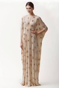 Shop Georgette Caftan With Crystal Beading. This silk georgette **Naeem Khan** caftan features a round neck, pleating at the bodice with a keyhole at the back and a floor length. Moda Fashion, Hijab Fashion, Runway Fashion, Fashion Show, Fashion Dresses, Fashion Design, Uk Fashion, Fall Fashion, Robes D'occasion
