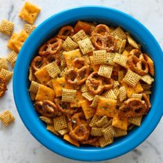Best appetizers for party dips crowd pleasers desserts 22 Ideas Ranch Snack Mix Recipe, Party Mix Recipe, Snack Mix Recipes, Recipe Mix, Fun Recipes, Dinner Recipes, Easy Puppy Chow Recipe, Puppy Chow Recipes, Hidden Valley Recipes