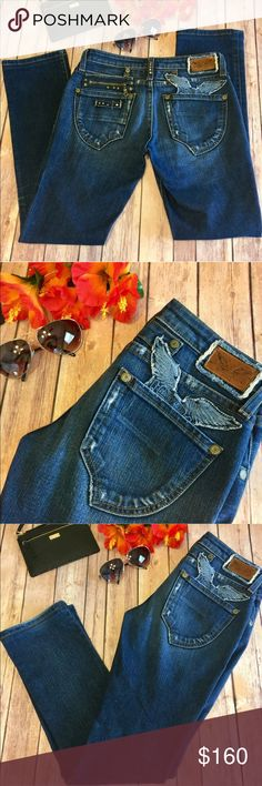 """🍁SALE🍁NWOT Robin's Jean RARE Zipper Eagle Pocket Brand New Without Tags!! Very High End Designer Robin's Jeans. Size 28, Inseam Approx 30"""", Waist Approx 14 1/2"""" Inches Flat. Robin's Jean Jeans Boot Cut"""