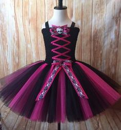 Monster High Birthday Tutu Outfit-Monster High by TulledDreamers Trajes Monster High, Monster High Tutu, Monster High Halloween, Festa Monster High, Monster High Birthday, Monster High Party, Tutu Outfits, Dance Outfits, Tutus For Girls