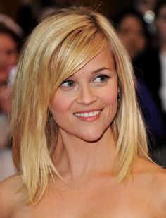 Reese Witherspoon- love the hair cut