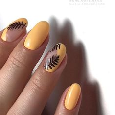 A misconception that beautiful manicure can only be on long nails. We have collected a selection of design ideas for a spectacular manicure. Rose Gold Nails, Matte Nails, My Nails, Acrylic Nails, Stiletto Nails, Coffin Nails, Yellow Nails Design, Yellow Nail Art, Solid Color Nails