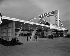 yesterdaysprint:    Baldwin Hills Theatre, Los Angeles, 1949