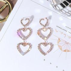 Jewelry Design Earrings, Ear Jewelry, Cute Jewelry, Fashion Earrings, Jewelry Sets, Bridal Jewelry, Jewelery, Jewelry Accessories, Fashion Jewelry