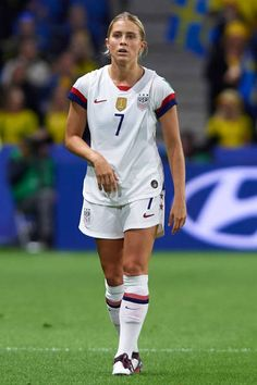 Abby Dahlkemper Pictures and Photos - Getty Images Usa Soccer Team, Team Usa, Soccer Players, Soccer Ball, Football Team, Megan Rapinoe, Soccer Pictures, Fifa World Cup, Sporty