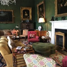 Country House Decoration Tips - The simple modern country look impresses with clean lines, rustic furniture, and bright, friendly c - English Interior, Classic Interior, Interior Rugs, Interior Design, Tudor Decor, English Country Decor, Modern Country, Fresh Living Room, Georgian Interiors