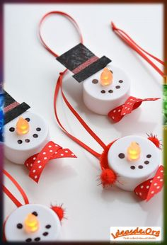 The Best DIY Dollar Store Christmas Ornament Hacks EVER! Come and check out some of The Best DIY Dollar Store Christmas Ornament Hacks EVER! All are fabulous and so incredibly budget friendly! DIY Dollar Store Christmas Hacks you will LOVE! Christmas Decoration For Kids, Diy Christmas Ornaments, Xmas Crafts, Snowman Ornaments, Snowman Crafts, Holiday Decorations, Snowman Decorations, Diy Ornaments For Kids, Christmas Cactus
