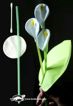 Kwiatek z rurki i wacika