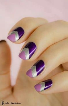 Love the design - nails for graduation?