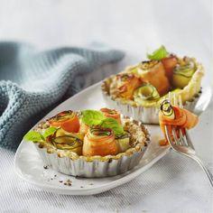 Wortel-courgettetaartjes Fabulous Foods, High Tea, Waffles, Cheesecake, Oven, Muffin, Yummy Food, Snacks, Breakfast
