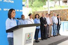 -Entrega también en comodato vehículo para transporte escolar Jalpan de Serra, Qro., a 7 de septiembre del 2016. Con la...