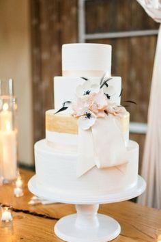 Wedding Cakes // Photo by: Mastin Studio on Bridal Guide