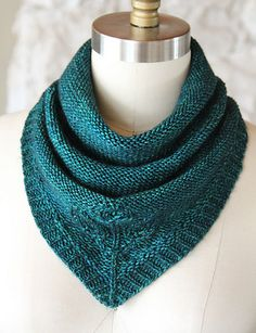 Ravelry: KnittedWishes' Leaves Bandana Cowl