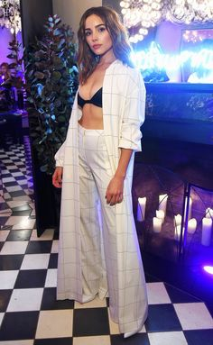 Olivia Culpo attends the launch of ghd hair North America Nocturne Holiday Campaign with Olivia Culpo & Justine Marjan on October 2017 in New York City. Olivia Culpo, Evening Outfits, Night Outfits, Charlize Theron, Bella Hadid, Fashion Tips For Women, Womens Fashion, Fashion Trends, Fashion Styles