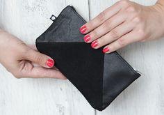 "genuine leather wallet ""manoo"" - black triangle from ♠pikfine // all selfmade stuff by DaWanda.com"