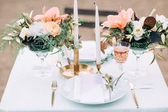 blush and gold sweetheart table