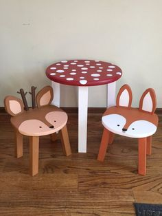 Toadstool table & chairs Kids furniture Woodland animal