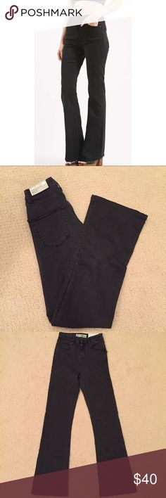 Topshop Jamie Flair Jeans Black Topshop Jamie flair jeans NWT amazing condition! Very trendy 😊 Topshop Jeans Flare & Wide Leg