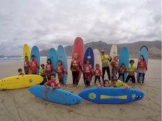 Así empezó el primer día de surf para nuestros alumnos residentes de #lanzarote . @lasantaprocenter  #surfcamp #surfschool #surfschoollanzarote #surfteguise #surfconlosmaspequeños #lasantasurfprocenter #lasantasurfpro #lasantasurfprocenter #surfdays #thebestexperience #surfexperience @albert_lasantasurf @acaymofamara @paulaaaguayo @pabstheory @echedey_famara  http://ift.tt/SaUF9M