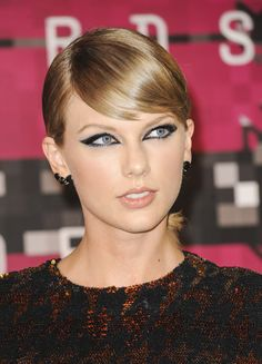 Taylor Swift slicked back hair