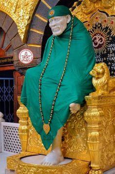 Sai Baba Pictures, Sai Baba Photos, God Pictures, Shirdi Sai Baba Wallpapers, Heart In Nature, Lakshmi Images, Baba Image, Om Sai Ram, Krishna Radha