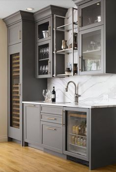 Modern home bar design ideas Gray Basement, Wet Bar Basement, Basement Bar Plans, Basement Kitchenette, Basement Bar Designs, Basement Bathroom, Teen Basement, Kitchenette Ideas, Basement Remodeling