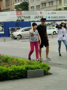 Kim Jong Kook and his mom in Vietnam