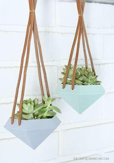 DIY závěsné diamantové květináče. DIY Diamond Hanging Planters.