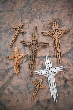 Crafts that Make Money - 40 HOT crafts to sell Wood Crafts wooden crafts to make and sell Clothespin Cross, Wooden Clothespin Crafts, Wooden Clothespins, Wooden Diy, Wooden Cross Crafts, Catholic Crafts, Church Crafts, Christian Crafts, Crafts To Make And Sell