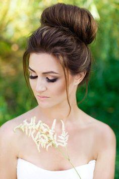 wedding top knot bun hairstyle / http://www.deerpearlflowers.com/wedding-bridal-hairstyles-for-long-hair/