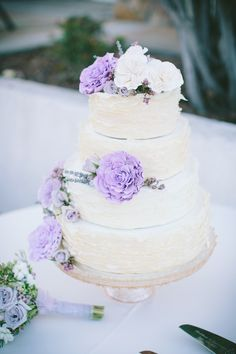 hand made lavender and white wedding cake http://www.weddingchicks.com/2013/10/14/lavender-wedding/