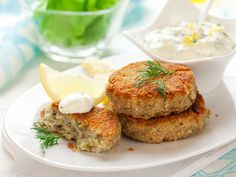 Healthy Tuna Cakes with Creamy Chive Sauce Recipe