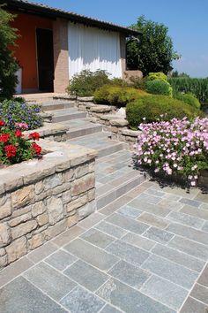 #pietre #territorio #lombardia #bergamo #brescia #palosco #appiaanticasrl #urbandesign #exteriordesign #stone #pebbles #floor #wall #stone
