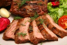 10 Ways To Use Leftover Roast Beef - Quick And Easy Slow Cooked Beef Roast Recipe Honey Baked Chicken, Baked Pork, Baked Chicken Recipes, Glazed Chicken, Roast Beef Recipes, Slow Cooker Recipes, Cooking Recipes, Ham Recipes, Candy Recipes