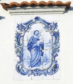 Azulejos na minha Terra Blue Pottery, Garden Architecture, White Tiles, St Joseph, Portugal, Mosaic Tiles, Ceramic Art, Catholic, Christ