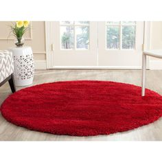 Add fashionable European style to your home or office with this radiant ivory shag rug from Safavieh's Milan Shag Collection. A treat for the senses, incredibly rich texture and soft yarns make this rug Solid Rugs, Circle Rug, Round Area Rugs, Accent Rugs, Red Rugs, Living Room Bedroom, Dream Bedroom, Country Chic, Online Home Decor Stores