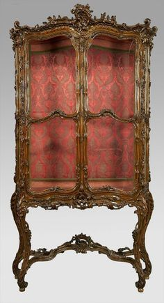 183: Louis XV style French parcel giltwood vitrine : Lot 183