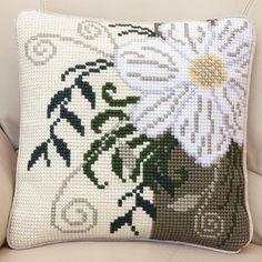 Twilleys - Tapestry Cushion Front Kit - Corner Flower - 2896/0007