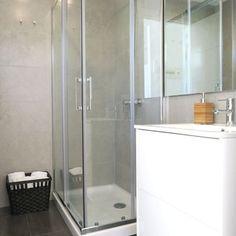 Baño sencillo y funcional #baño #blanco #hogarhabitissimo