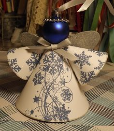 Is it too late to share another Christmas project? I mean this could spur you on to get those homemade ornaments done early, right? Christmas Angel Crafts, Christmas Projects, Christmas Art, Holiday Crafts, Christmas Holidays, Crochet Christmas, July Crafts, Christmas Bells, Homemade Ornaments