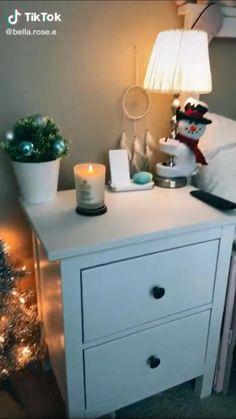 Cosy Christmas, Christmas Feeling, Christmas Bedroom, Merry Little Christmas, Christmas Lights, Christmas Decorations, Christmas Aesthetic, Room Decor, Routine