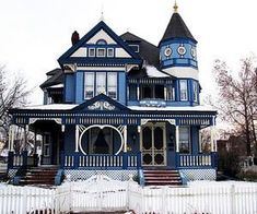 Victorian Homes Exterior, Victorian House Interiors, Victorian House Plans, Victorian Style Homes, Victorian Architecture, Gothic House, Modern Victorian Houses, Gothic Mansion, Victorian Decor