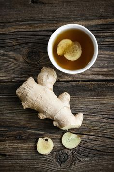 How to Make Ginger Tea from Fresh Ginger – Learn how to make ginger tea from fresh ginger for delicious sipping as you harness this spice's natural healing properties! Ginger Root Tea, Ginger Lemon Tea, Raw Ginger, Ginger Syrup, Ginger Water, Homemade Ginger Tea, Recipe For Fresh Ginger Tea, Ginger Tea Recipes, How To Eat Ginger
