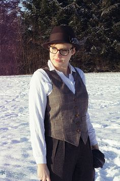 12 Letters of Handmade Fashion: W wie Tweed-Weste von Jenny von Exclamation Point